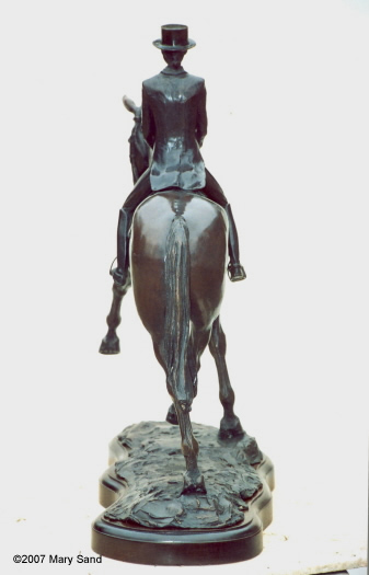 Horse statues : Dressage horse & rider performing Half-Pass